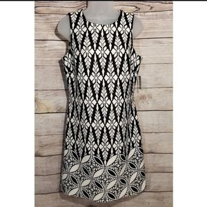 Just...Taylor black and white sleeveless dr
